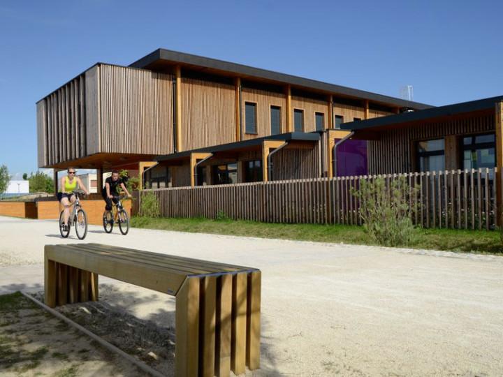 Construction d'une école modulaire bois déplaçable en 2 mois